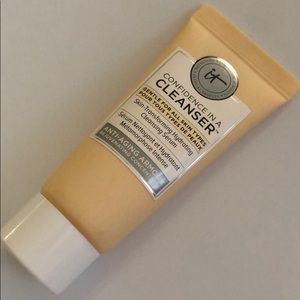 5 FOR $25! IT COSMETICS Skin-Transforming Cleanser